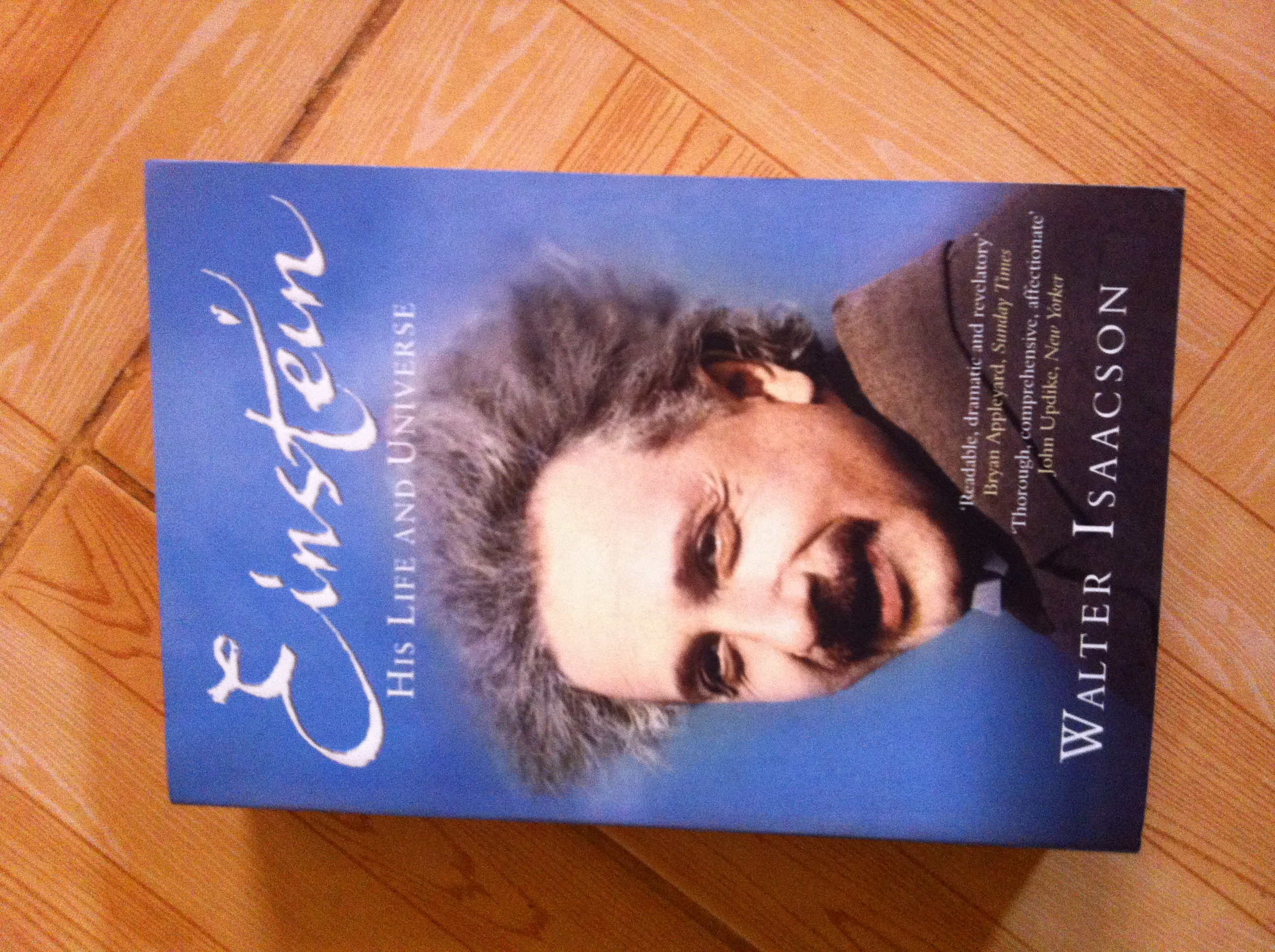 Cover page of Einstein: His Life and Universe by Isaacson Walter