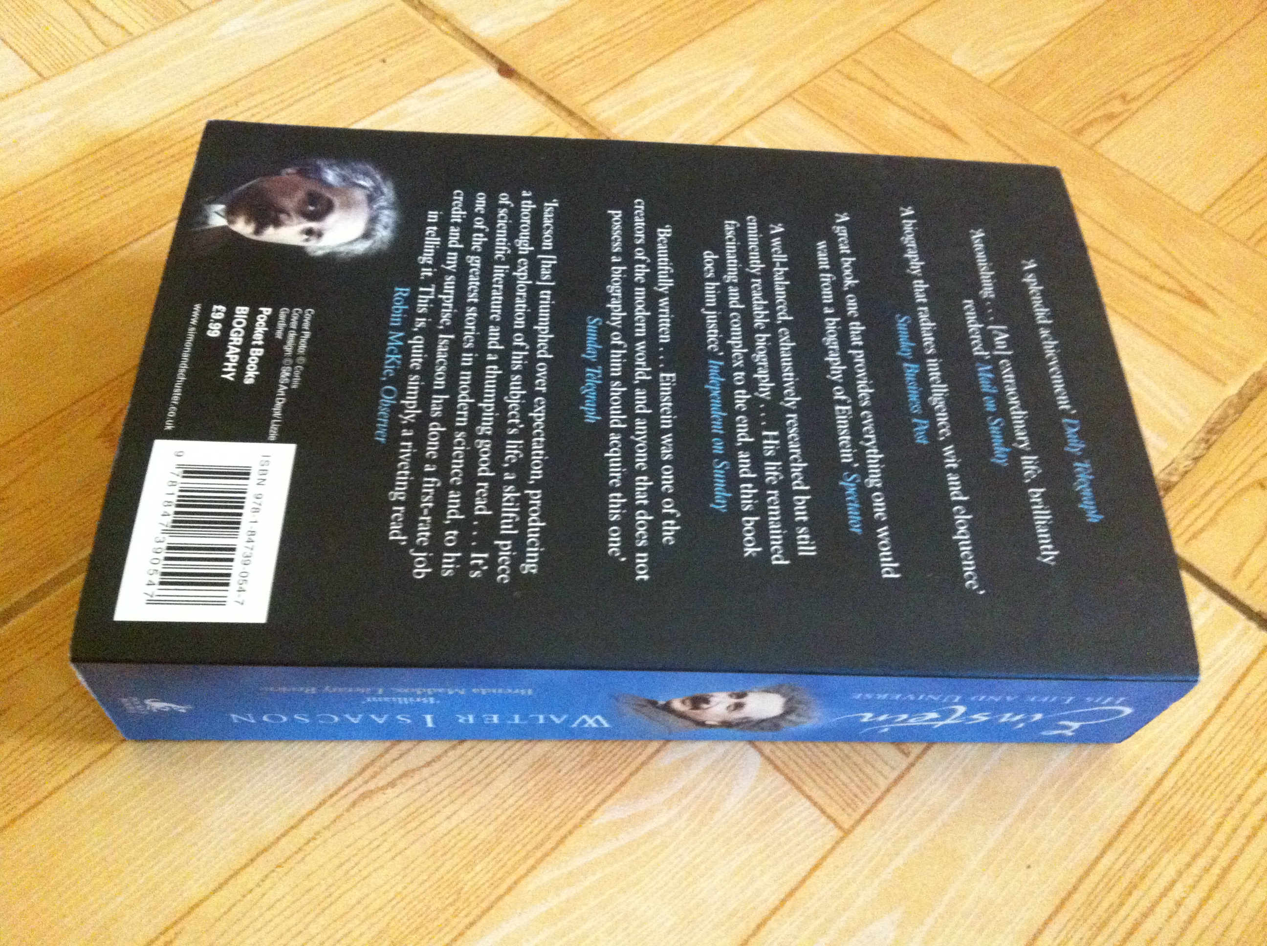 The back cover of Einstein: His Life and Universe by Isaacson Walter