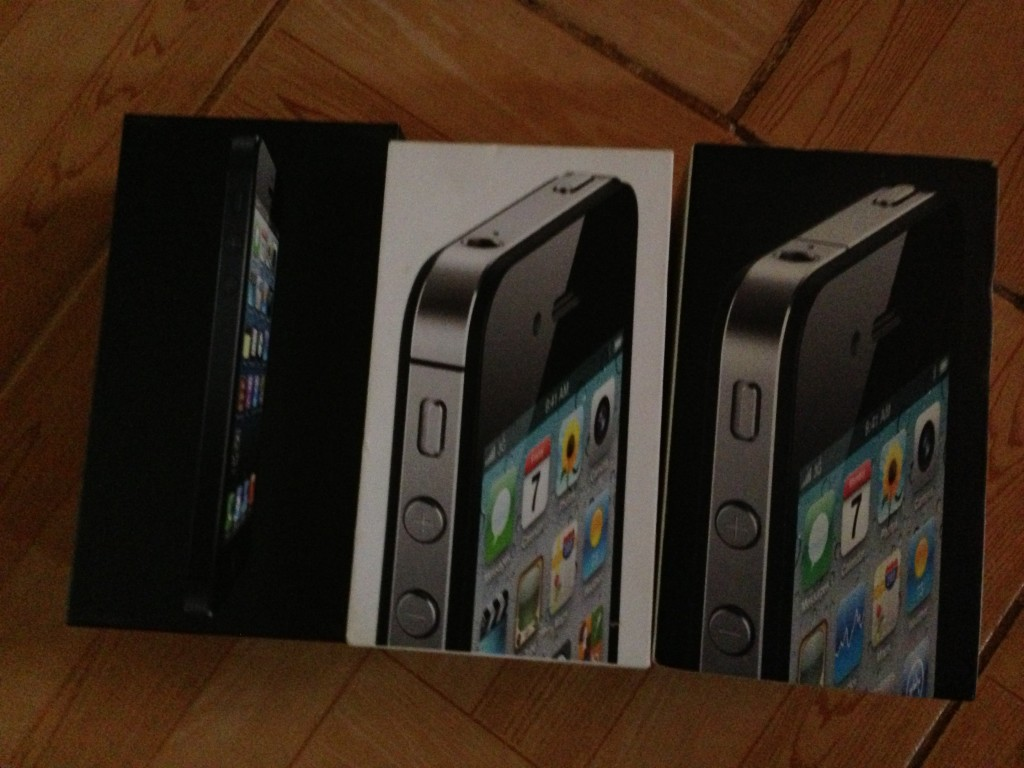 Comparing iPhone 5, iPhone 4S and iPhone 4 packages
