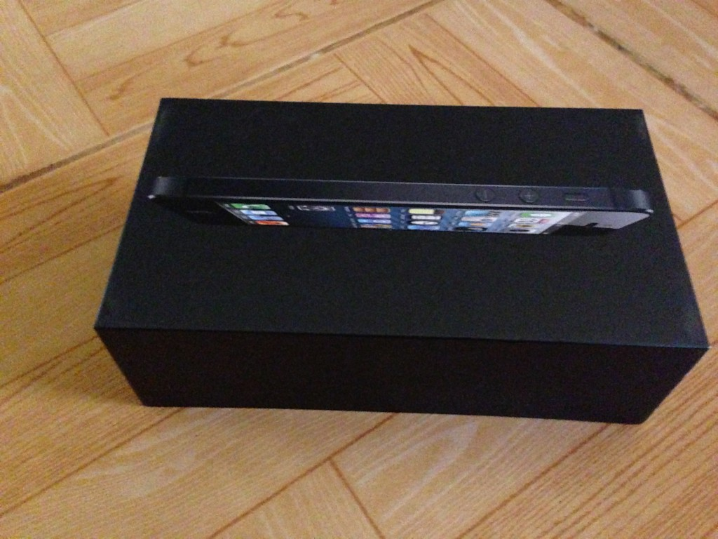 My iPhone 5 black and slate package box