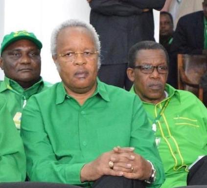 Edward Lowassa following proceeding in Dodoma on 11th July 2015